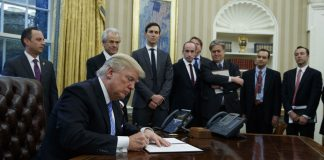 Trump Moves to Pull US out of Big Asian Trade Deal