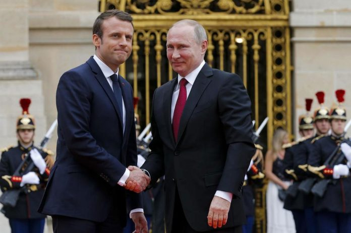 France's Macron Holds 'Frank Exchange' with Putin