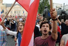 Lech Walesa Urges Protesters in Poland to Defend Democracy