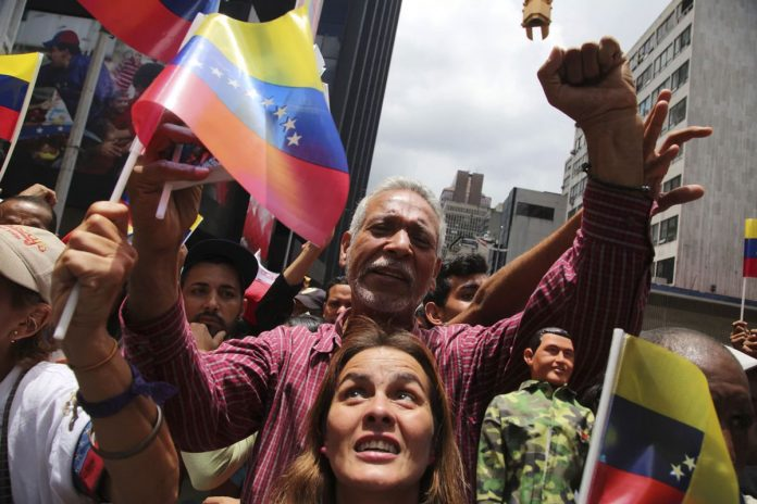 Venezuela Assembly Starts with Warning to Foes