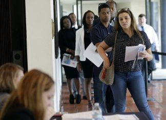 Job Growth Slowed in August, Unemployment up 4.4 Percent