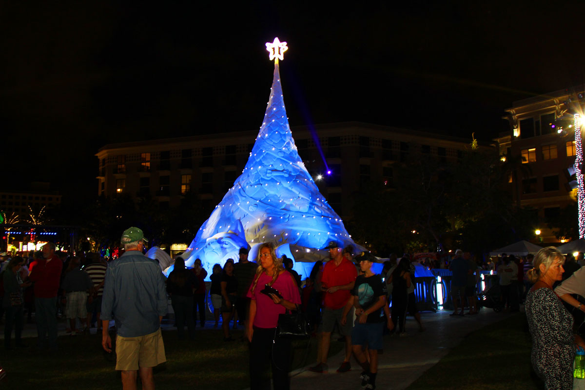 Best destinations around the u s for christmas events and for Top christmas travel destinations