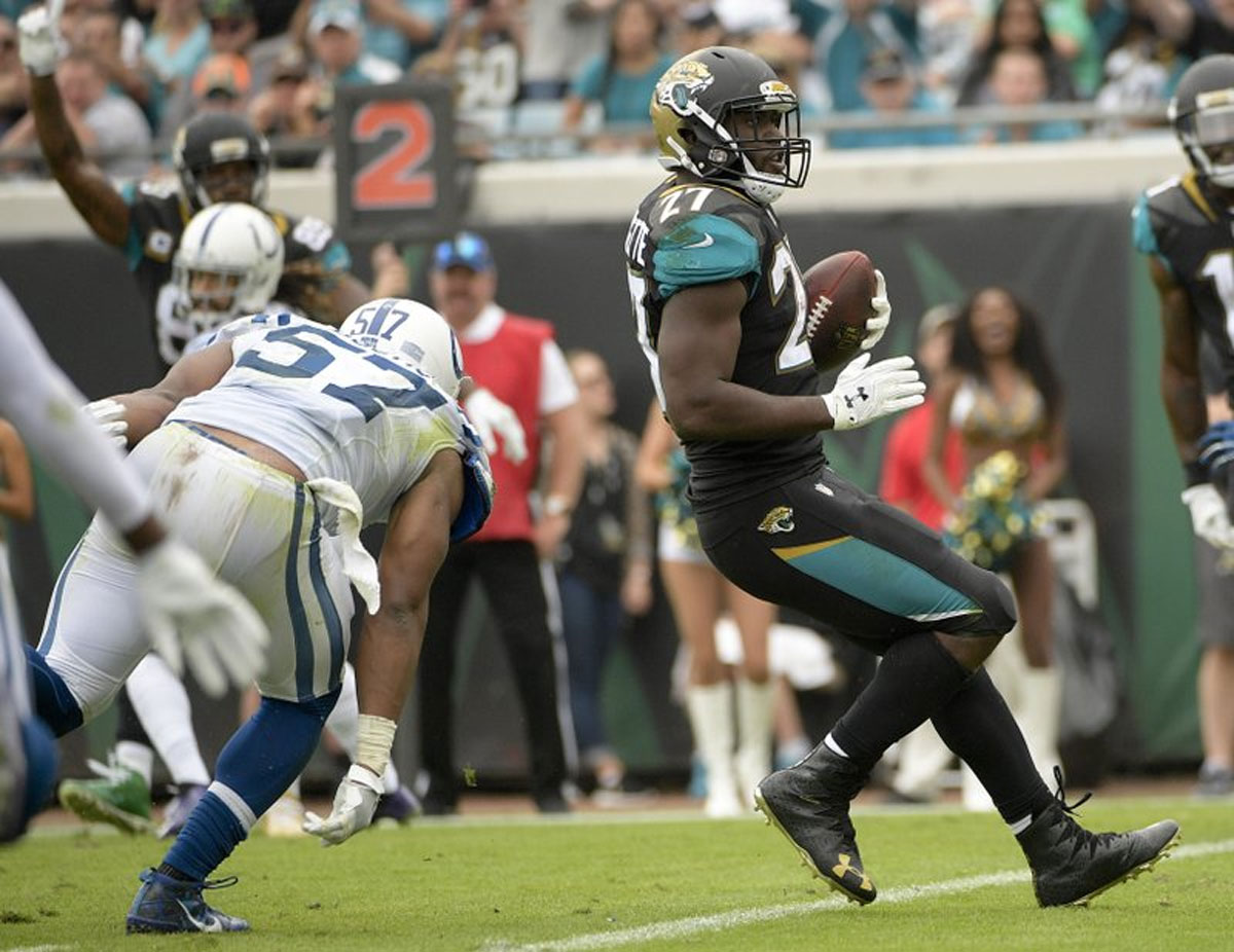 Campbell breaks Jaguars' sacks record in 30-10 win vs Colts