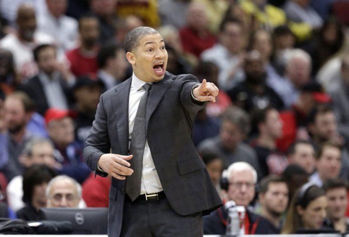 Wade, Love, James lead Cavaliers over Bulls 113-91