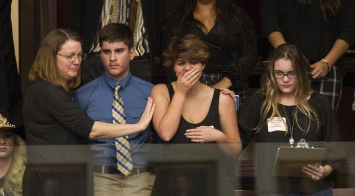 Parkland High School Survivors, Lawmakers on Collision Course over Guns