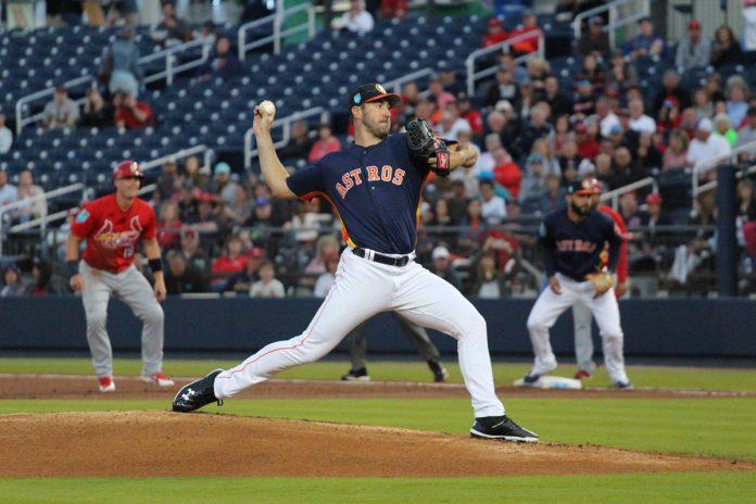 Astros Get Past Cardinals 4-2 in Hispanic Heritage Night