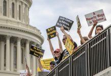 GOP Struggles to Salvage Immigration Bill, Postpones Vote