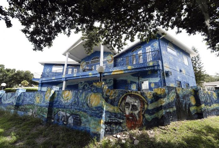 """Mayor Girone Apologized to Couple Fined for Emulating """"The Starry Night."""""""
