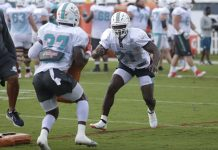 At 35, Dolphins' Frank Gore is Competing for Starting Job