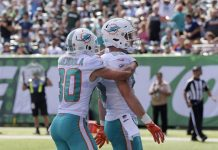 Tannehill, Dolphins Top Darnold, Mistake-Prone Jets 20-12