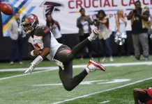 Ryan Throws 3 TD Passes, Falcons Hold off Bucs 34-29