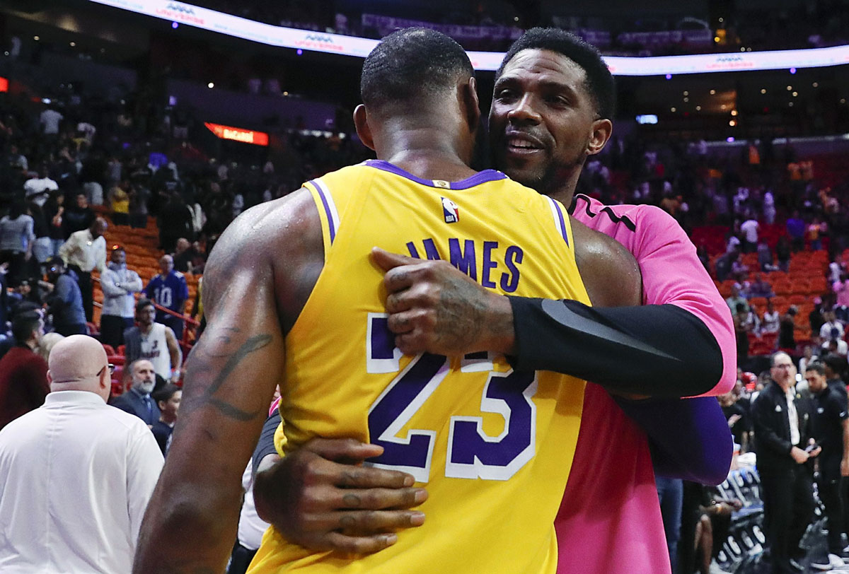 LeBron James Scores 51 Points, Lakers Roll Past Heat 113-97