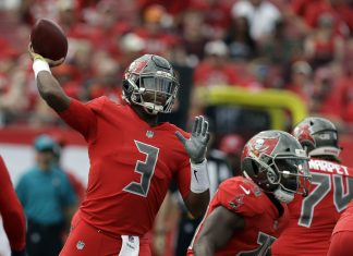 Winston Throws for 2 TDs, Buccaneers Beat Panthers 24-17