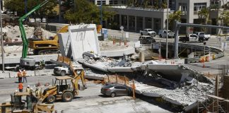 Street should have closed before Miami bridge collapse
