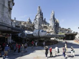 Star Wars Hotel at Disney World Like a Cruise into Space