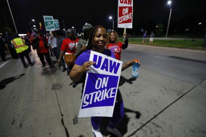 Auto Workers Strike Against General Motors in Contract Dispute