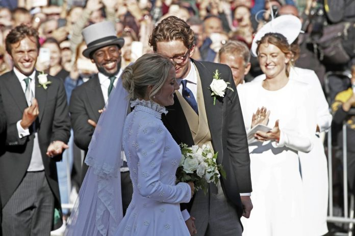 Ellie Goulding weds art dealer boyfriend in lavish ceremony 2