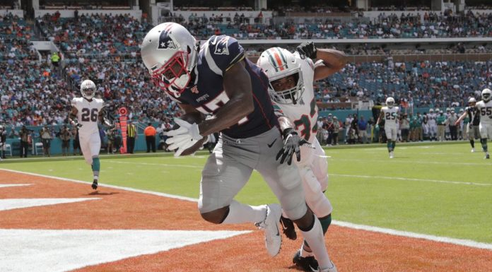 Newcomer Brown Scores as Patriots Beat Dolphins 43-0