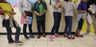 Trump admin shifting to privatize migrant child detention