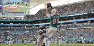 Bag of Tricks Helps Dolphins Rally Past Eagles 37-31