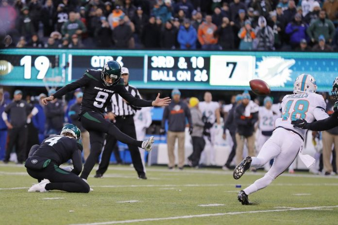 Ficken FG, Controversial Call Lead Jets Past Dolphins 22-21