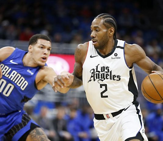 Leonard Leads Clippers to Win over Magic