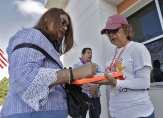 Will Puerto Ricans New to Florida Swing State to Democrats