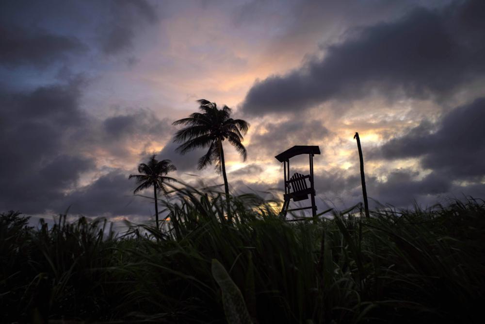 Tropical Storm Elsa gaining strength, lashing Florida Keys